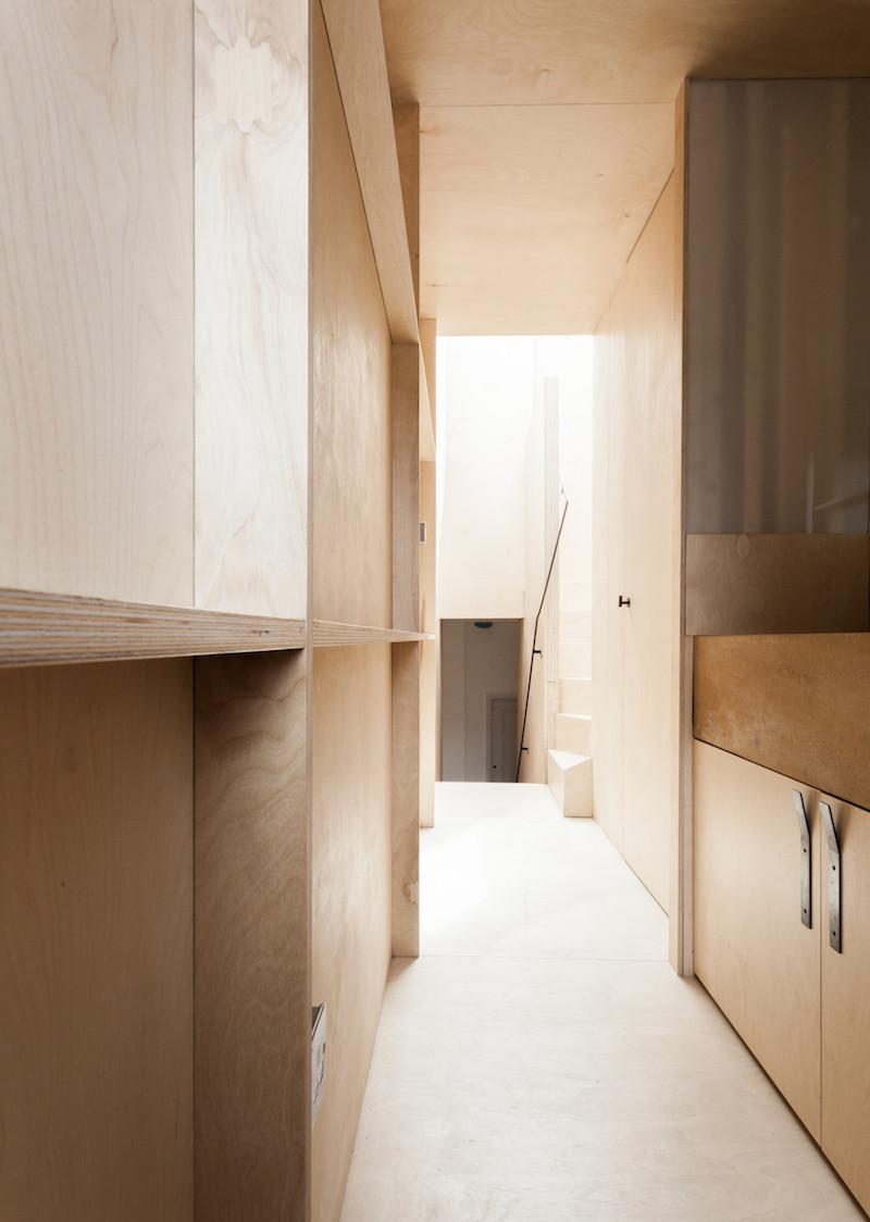 Concrete, plywood, metal, stone contemporary home by Simon Astridge (5)