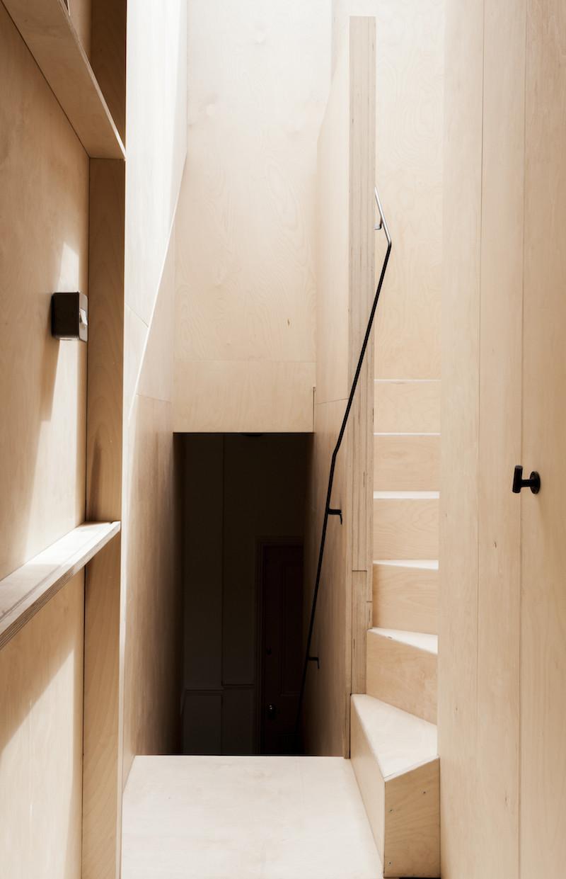 Concrete, plywood, metal, stone contemporary home by Simon Astridge (6)