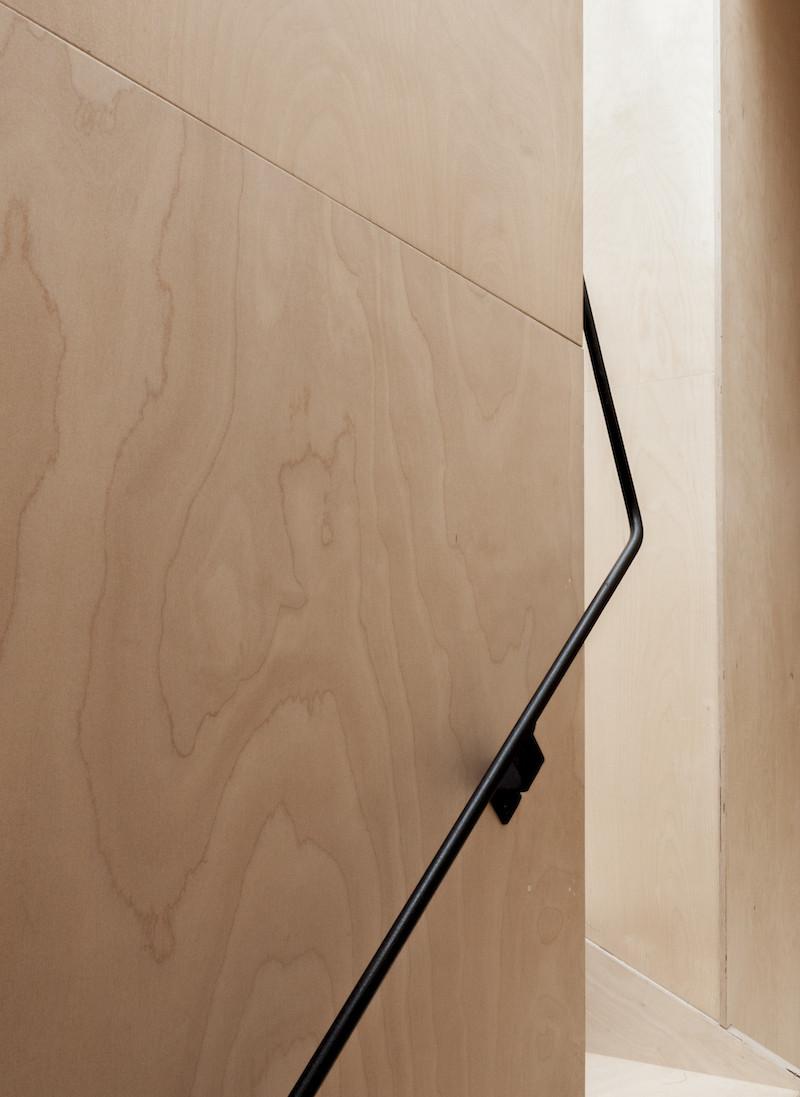 Concrete, plywood, metal, stone contemporary home by Simon Astridge (8)
