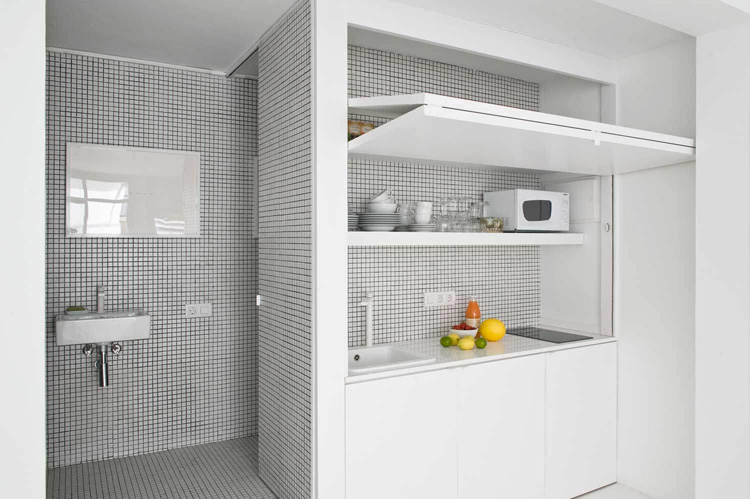 The White Retreat, Seaside White Studio Apartment, Colombo and Serboli Architecture, Barcelona, Spain (7)
