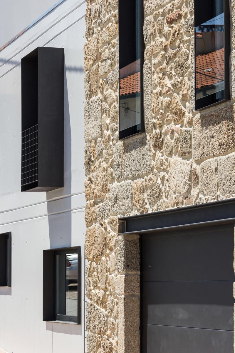 House JA, Filipe Pina + Ines Costa, Guarda, Portugal   (2)