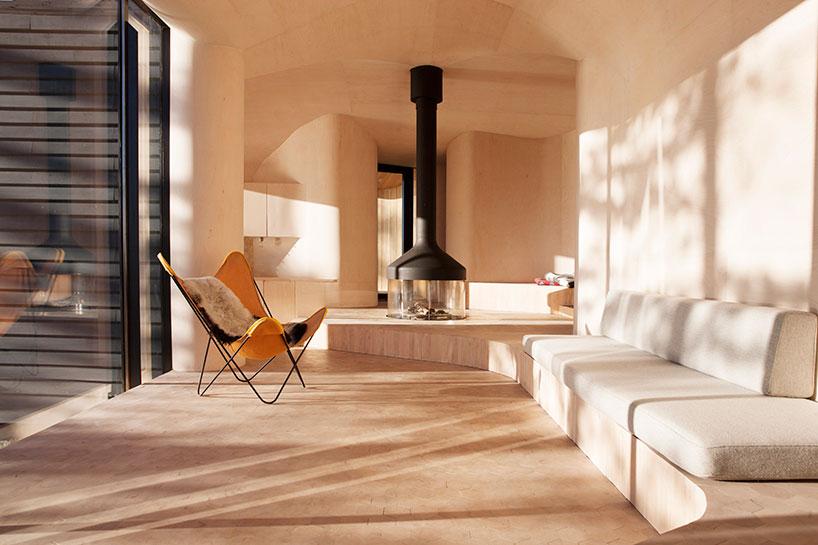 Norwegian Wooden Cabin Norderhov by Atelier Oslo (6)