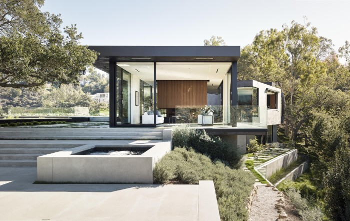 Oak Pass Main House in Beverly Hills by Walker Workshop