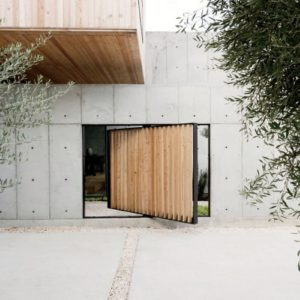 Giant Glass Doors Designed For Antwerp Townhouse Design Visual