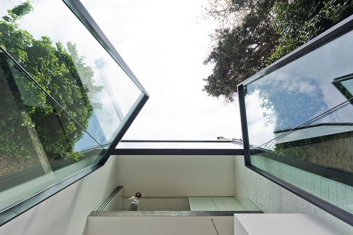Giant Glass Doors Designed For Antwerp Townhouse