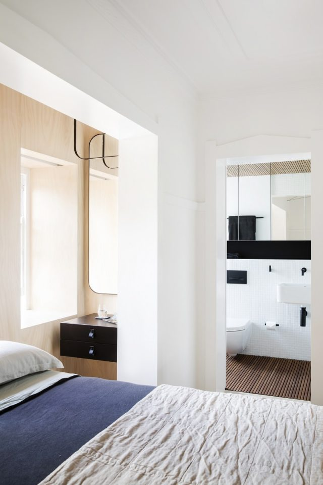 Nano pad studio apartment by architect prineas sydney for Interior design bedroom australia