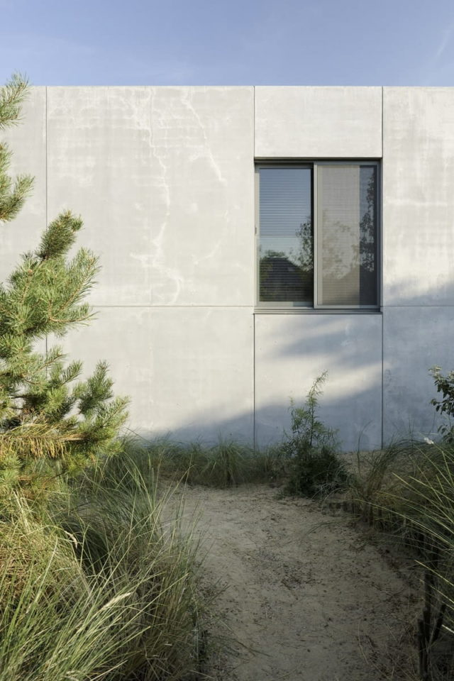 A Concrete House in the Dunes by i.s.m.architecten, Oostduinkerke, Belgium