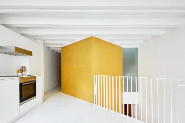 Minimalist Kitchen Interior. Project: Duplex Tibbaut. Designers: Raul Sanchez Architects