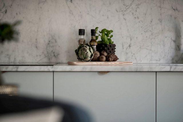 Kitchen Decor. Location: Gothenburg, Sweden. Photographer: Alexander White