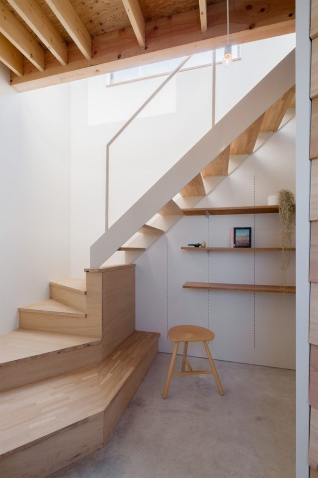 House in Shintou is a minimalist wooden house located in Shintou, Japan, designed by SNARK+OUVI