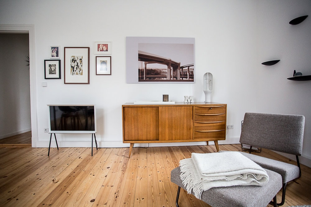 berlin apartment of interior designer christoph kummecke design visual. Black Bedroom Furniture Sets. Home Design Ideas