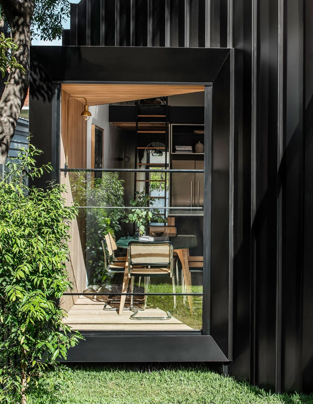 Wooden Cabin in Elwood by FIGR Architecture Studio